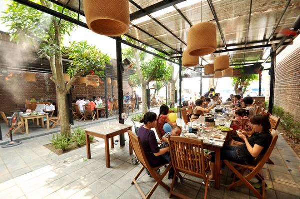 Luôn đảm bảo không gian thưởng thức ẩm thực của khách hàng được thông thoáng, dễ chịu